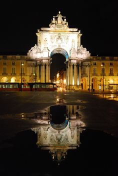My Lx : Photo Most Beautiful Cities, Beautiful World, Terreiro Do Paço, Portugal Vacation, Douro, Travel Around The World, Best Places To Travel, City Lights, Vacation Spots