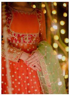 Pakistani Formal Dresses, Pakistani Fashion Party Wear, Pakistani Wedding Outfits, Pakistani Bridal Wear, Pakistani Dress Design, Indian Dresses, Girls Frock Design, Fancy Dress Design, Bridal Dress Design