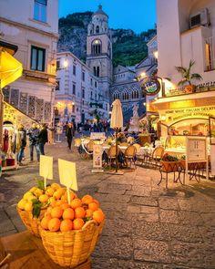 Amalfi Coast Italy, Capri Italy, Sorrento Italy, Naples Italy, Venice Italy, Bon Plan Voyage, Living In Italy, European Summer, Beautiful Places To Travel