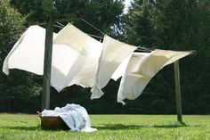 <3 the smell of sundried sheets...hung them for years & do miss that wonderful smell!!