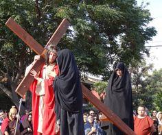 Capturador de Imágenes: En este arduo camino de la cruz no puede faltar María, tu permanente cooperadora en la salvación de los hombres