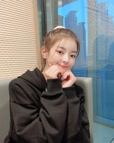 Kpop Girl Groups, Korean Girl Groups, Kpop Girls, Kpop Anime, Programa Musical, Indie, Incheon, K Idols, South Korean Girls