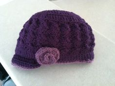 Free pattern for crochet hat I used the basic pattern for the hat and then added different trims, buttons, bows, flowers, etc. They are quick and easy to make! Link below for patter...  http://come-see-chrochet.blogspot.com/2011/10/brimmed-hat-crochet-pattern.html?m=1
