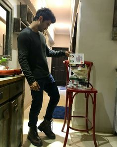Sushant Singh Rajput The musing gaze * Cute Couple Poses, Cute Couples, Disney Princess Pictures, Jay Ryan, Funny Videos For Kids, Sushant Singh, Real Hero, Akshay Kumar, Boys Over Flowers