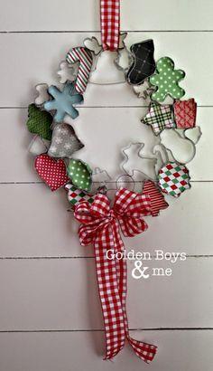Winter Christmas, Christmas Holidays, Christmas Ornaments, Christmas Swags, Burlap Christmas, Christmas Kitchen, Christmas Door, Primitive Christmas, Country Christmas
