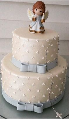 44 bonitas ideas de Bautismo de nena Fondant Cakes, Cupcake Cakes, Christian Cakes, First Holy Communion Cake, Religious Cakes, Confirmation Cakes, Ballerina Cakes, Angel Cake, Cute Cakes