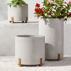 Tanta outdoor planters Glass Planter, Cement Planters, Planter Table, White Planters, Large Planters, Outdoor Planters, Outdoor Chairs, Outdoor Spaces, Outdoor Living