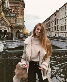 Stricken : Cream and black fall outfits 2018 cozy seeing and jeans and fluffy coat outfit f. Fall Outfits 2018, Mode Outfits, Fall Winter Outfits, Autumn Winter Fashion, Fashion Outfits, Womens Fashion, Fashion Trends, Autumn Fashion For Teens, Winter Travel Outfit