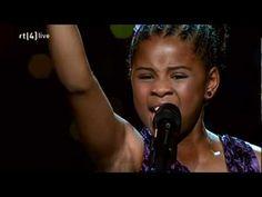 Het winnende optreden van dit 11 jarige talent met een cover van Whitney Houston in de finale van Holland's Got talent. Gespot op 16 september 2011.