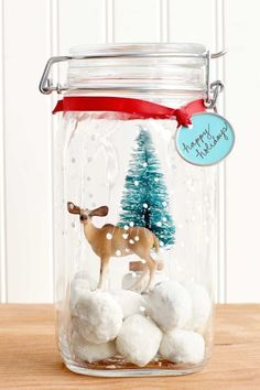 christmas diy gifts 85 DIY Homemade Christmas Gifts - Craft Ideas for Christmas Presents Mason Jar Christmas Crafts, Christmas Cookies Gift, Christmas Crafts For Gifts, Homemade Christmas Gifts, Christmas Goodies, Simple Christmas, Christmas Diy, Country Christmas, Christmas 2019