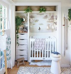 Whitney Leigh Morris, of the Tiny Canal Cottage, transformed her tiny house closet into a nursery! Find out how she did it and see photos of the adorable space for baby via the link in our bio!