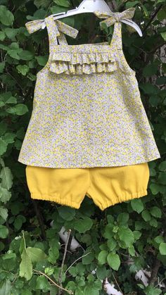 Baby Robes – Baby and Toddler Clothing and Accesories Baby Girl Dress Patterns, Baby Clothes Patterns, Little Girl Outfits, Little Girl Dresses, Baby Outfits, Kids Outfits, Baby Dress Tutorials, Skirt Patterns, Blouse Patterns