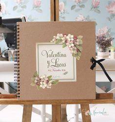 Libro de firmas para bodas personalizado. 30 x 30 cms. 40 páginas en kraft de 200 gramos