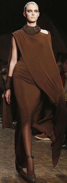 Fashion Week New York Donna Karan (Foto: Reuters). Donna Karan, Brown Fashion, High Fashion, Fashion Show, Fashion Design, Couture Fashion, Runway Fashion, Womens Fashion, Looks Style