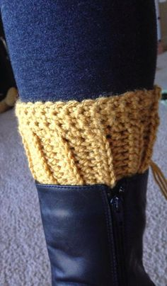 Crochet boot cuffs, free pattern.