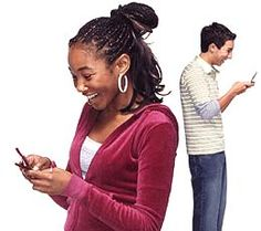 Kids are using free apps to hide text messages from parents. Do you know what they are and how they are used? Read on to find out more about the apps and 5 practical tips for keeping kids safe online. #onlinesafety #texting #sexting #cybersafety