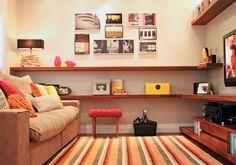 Espaço bacana que mescla H Theather, sala de leitura e Sala de visitas