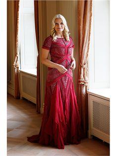 Herdragen kleding Mette Marit: rode japon van Gucci | ModekoninginMaxima.nl