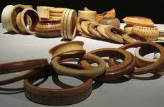 Bracelets africains en ivoire de la collection Nancy Cunard © Photo Notes Précieuses