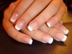 Чтобы ногти всегда выглядели ухоженными и были белыми, длинными и крепкими.
