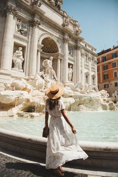 Rumour has it that if you throw a coin into the Trevi Fountain, you will return to Rome.
