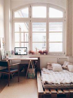 Adorable 80 Cozy Apartment Bedroom Makeover Decor Ideas https://rusticroom.co/3601/80-cozy-apartment-bedroom-makeover-decor-ideas