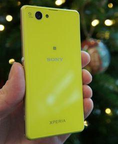 就是你了!!!!Sony Xperia Z1 Compact 因為你也是黃、綠分不清及雖然前鏡頭只有200萬畫素 但應該就是你來當小紅的弟弟了!!!!
