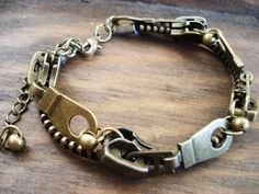 LOVE steampunk jewelry. I can always count on Etsy to inspire me.