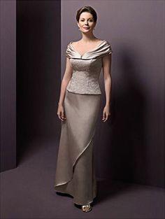 Adorei esse Vestido para Mãe da Noiva, uma cor discreta e super elegante.