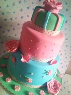 - Cath Kidston Inspired Cake!