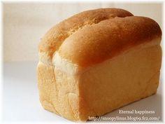 おうちで簡単にできる!パンの作り方がずらり♪食パン、ベーグル、シナモンロールなどを行程付きでご紹介。レシピブログで人気のいたるんるんさんの連載です。