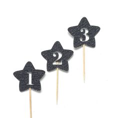 12 Any Age Gold Star Cupcake Toppers, Baby Showers, Twinkle Little Star Party, Princess Party, Birthday Star Toppers, Star Food Picks by TrendiConfetti on Etsy https://www.etsy.com/ca/listing/477935164/12-any-age-gold-star-cupcake-toppers