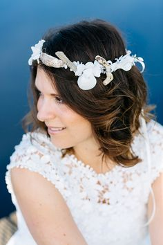 Headpieces mit Muscheln | Friedatheres.com  white bridal headpiece by Kido-Design  Foto: Julia Hofmann