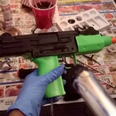 Process for babe Uzi  #nycc #DIY #cosplay #cosplayprops scary part it looks real...great part photos will look awesome  #domino #punisher #marvel
