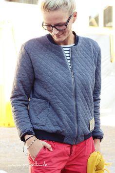 Schon seit dem #zeitschriftensewalong von buxsen war ich angefixt von der Zeitschrift fashion style. Ich hatte es nicht geschafft mitzumachen, habe mir aber gleich zwei aufeinander folgende Ausgab…