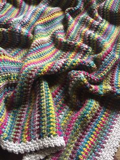 Moss stitch crochet blanket by @crochetbyali