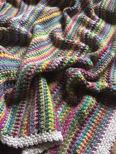 Moss stitch crochet blanket by @crochetbyali