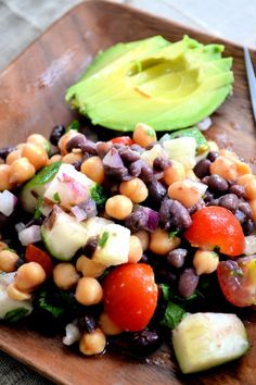 Bean salad are a great healthy side dish. This one looks delicious.my mom makes this salad a lot.but still i am obsessed with it.get a lot of fiber. Healthy Sides, Healthy Side Dishes, Side Dish Recipes, Veggie Recipes, Healthy Snacks, Vegetarian Recipes, Healthy Eating, Cooking Recipes, Healthy Recipes
