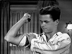 Tony Dow in Leave it to Beaver Great Tv Shows, Old Tv Shows, Tony Dow, Leave It To Beaver, Tv Land, Male Physique, Classic Tv, Movies Showing