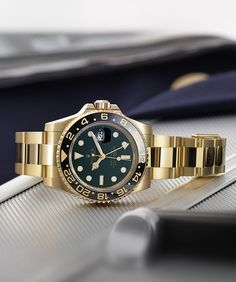The Rolex GMT-Master II's astute aesthetics allow the watch to shine in departure lounges and cockpits, the world over. A true classic for the seasoned traveller.