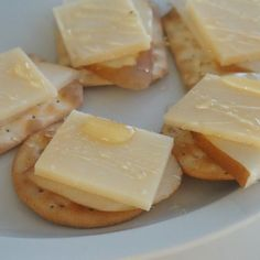 Last nights bedtime snack of Handeck cheese by Gunn's Hill (ON) with slices of pear and honey on water crackers - such a delicious treat!! #simplepleasures #cdncheese  @100CanadianMilk check out www.allyouneedischeese.ca/simplepleasures #cheese #cheeseplease