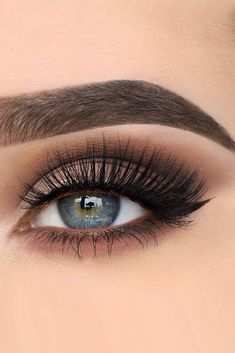 30 Wedding Makeup Ideas For Blue Eyes Related posts: Wedding makeup tutorial for blue eyes # eyes … 20 Hottest Smokey Eye Makeup Ideas 12 schicke Blue Eye Makeup Looks und Tutorials Erstaunliche Smokey Eye Makeup Ideas Bild 3 Makeup Tips, Beauty Makeup, Makeup Ideas, Beauty Tips, Makeup Tutorials, Glowy Makeup, Makeup Hacks, Brow Eyes Makeup, Makeup Inspo