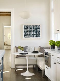 35 Best Small Kitchen Table: Pictures Ideas & Designs 2019 We have listed a few of the top ideas for adding small kitchen table to your space. The post 35 Best Small Kitchen Table: Pictures Ideas & Designs 2019 appeared first on Furniture ideas. Corner Bench Kitchen Table, Small Kitchen Tables, Kitchen Banquette, Kitchen Seating, Kitchen Benches, Kitchen Nook, Small Dining, New Kitchen, Kitchen Dining