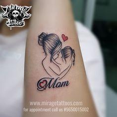 Tattoo for mom tatuagem de bebê, tatuagem mae, tatuagens top, lindas tatuag Small Tattoos Men, Kid Tattoos For Moms, Mother Tattoos For Children, Mom Dad Tattoos, Mom Daughter Tattoos, Girls With Sleeve Tattoos, Tattoos For Daughters, Mother And Baby Tattoo, Cool Tattoos For Girls