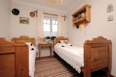 Hagyományőrzés korszerűen Weekend House, Rustic Cottage, Cottage Homes, Kids Room, Toddler Bed, Interior Decorating, Farmhouse, Interiors, Country