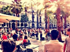 Discover the best pubs & nightlife of Barcelona ➜ http://www.trip4real.com/activity/discover-the-best-pubs-and-the-best-night-of-barcelona/?utm_source=pinterest_t4r&utm_medium=feed&utm_campaign=social