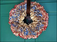 Tattered and Inked: Patriotic Wreath with Coffee Filters Patriotic Crafts, Patriotic Wreath, Coffee Filter Wreath, Coffee Filters, Holiday Fun, Holiday Ideas, Door Wreaths, Fourth Of July, Burlap Wreath