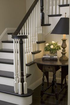 Love the classic decor on these painted stairs. Painting wooden stairs in such a traditional palette really looks great in this stairway. Painting Wooden Stairs, Painted Stairs, Painting Wooden Furniture, Foyer Staircase, Staircase Design, Entryway Stairs, Entryway Ideas, Staircase Makeover, Staircase Ideas