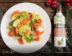 Готовим легкий салат с лососем!