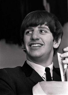Happy birthday to Ringo Starr!❤️❤️❤️❤️❤️❤️❤️❤️❤️❤️